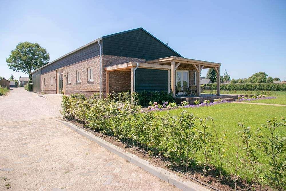 Tuin & Uitzicht • terras | Bed and Breakfast In ons Straatje, Kruisstraat Rosmalen - Noord-Brabant