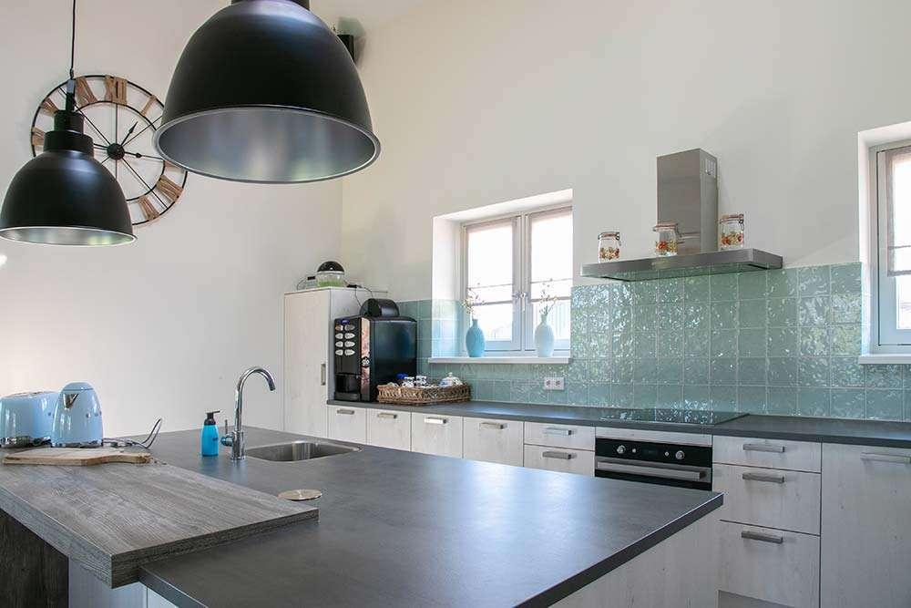 Woon- / ontbijtkamer • keuken | Bed and Breakfast In ons Straatje, Kruisstraat Rosmalen - Noord-Brabant