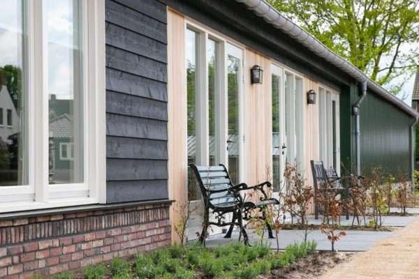 Nieuws • Aanplanting omliggende tuin - zijaanzicht B&B | Bed and Breakfast In ons Straatje, Kruisstraat Rosmalen - Noord-Brabant